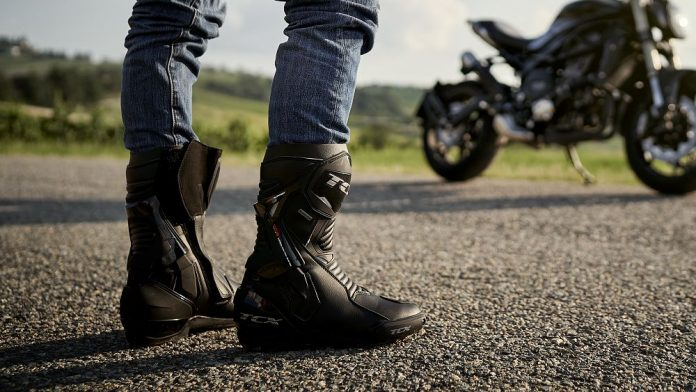 The importance of wearing boots while riding